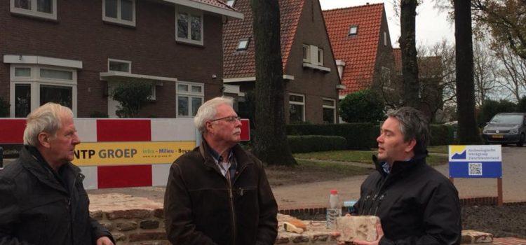 Tijdscapsule en pootafdruk in steen Justitie Bastion te Hasselt.