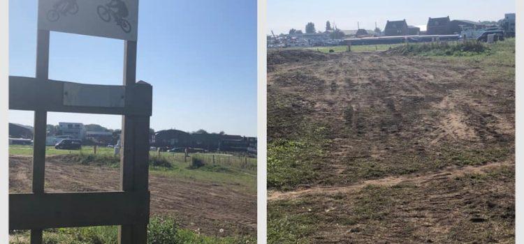 FietsCrossbaan; puin en deel van parcours verdwenen.
